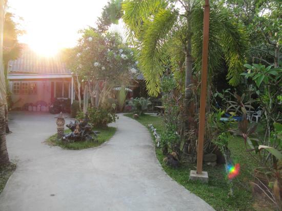 Baan Rom Mai: entrance