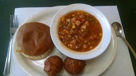 Carolina Bar B Q: BBQ Pork Sandwich, hush puppies and Brunswick stew