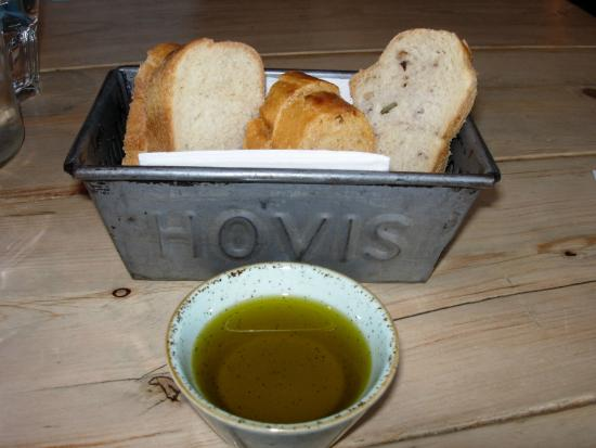 Purefoy Arms: Home-baked breads, olive oil