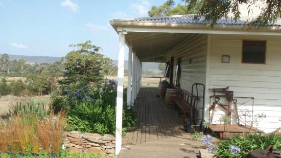 Swansea, Australia: Cellar Door of Milton Vineyard