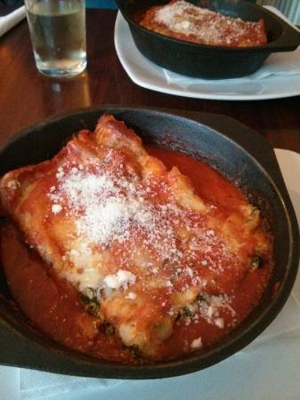 Cafe Sicilia: Spinach, ricotta and olive canneloni