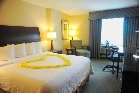 Hilton Garden Inn Baltimore/Arundel Mills: Contact us for your wedding or next romance getaway!