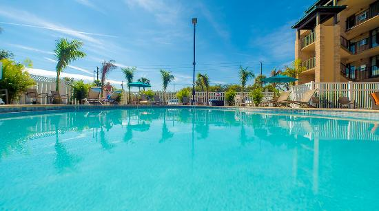 Best Western Plus Siesta Key Gateway : New Pool and Deck