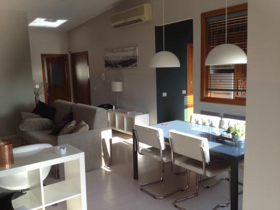 Aparthotel Senator Barcelona: salon comedor penthouse Senator