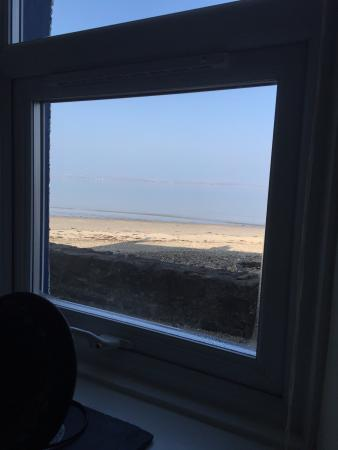 The Inns by the Loch : View of the beach from Sandpiper room