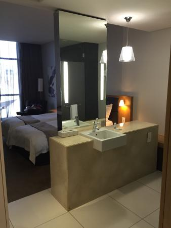 AHA Gateway Hotel Bathroom Open Plan