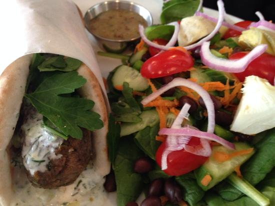 Tall Poppy Cafe : So yummy and an excellent salad!