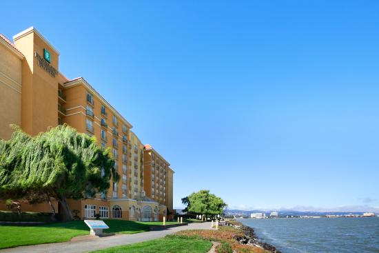 ‪Embassy Suites by Hilton Hotel San Francisco Airport (SFO) - Waterfront‬
