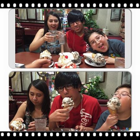 Tiffy's Family Restaurant: Awesome ice cream!!