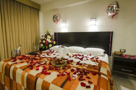 Hotel Colonial: Habitación para lunamieleros