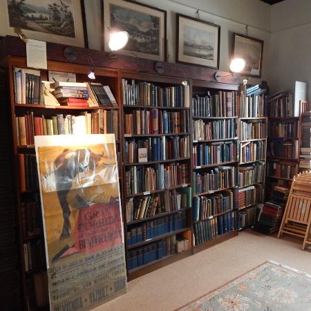 Garrison, NY: So many old books and prints  here