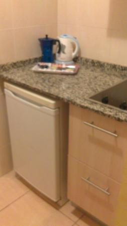 Rex Apartment Salou : kitchenette