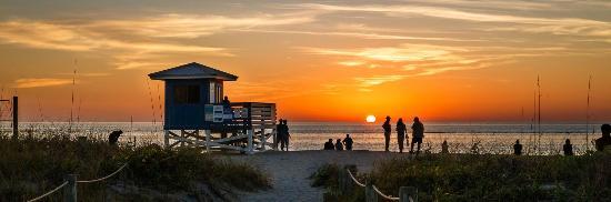 Inn at the Beach: Located directly at Venice Beach Florida