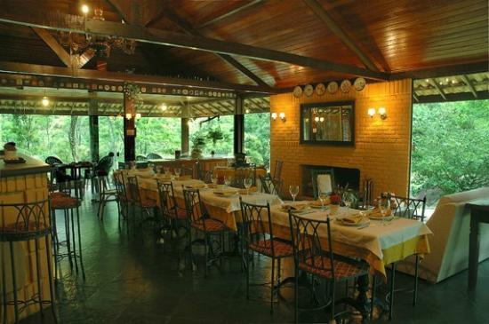Pousada Conde Redondo: área do restaurante e bar