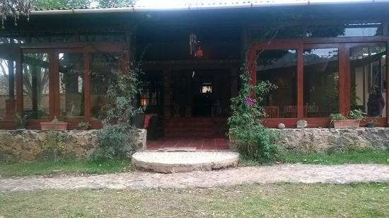 Centro Haliama : entrada a la zona de comedor