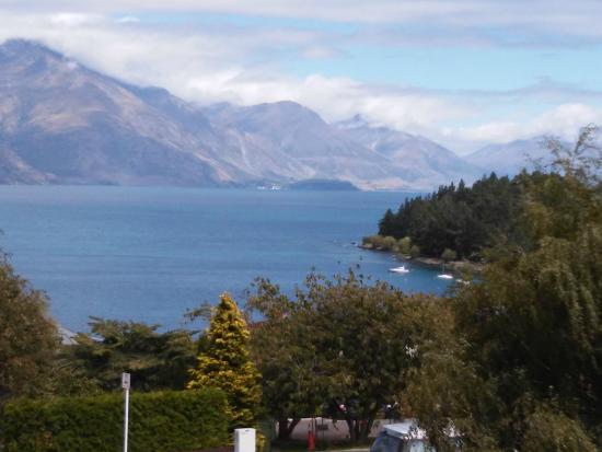 Copthorne Hotel & Apartments Queenstown Lakeview: View Lake
