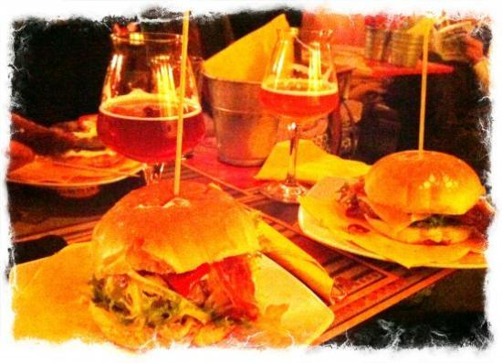 Taverna degli Scudi Birreria-Steakhouse: hamburger