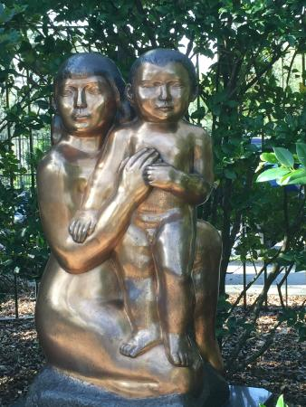 Future generation picture of the sydney and walda - Sydney and walda besthoff sculpture garden ...