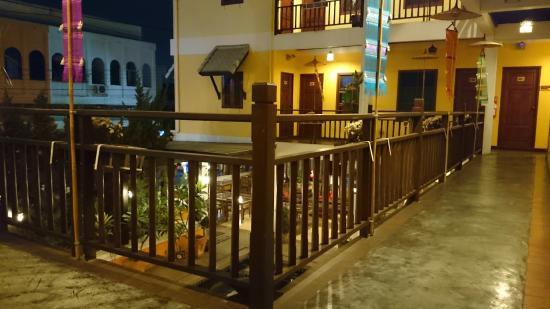 Chiangmai Boutique House: walkway