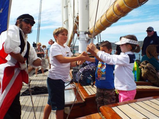 Next Level Sailing : Kids helping Al