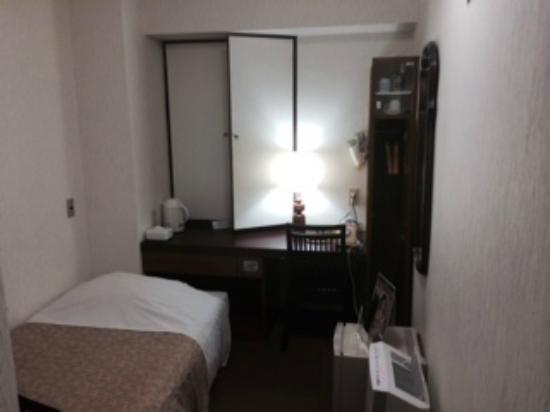 Ryogoku River Hotel: 狭い中にいろいろ嬉しい装備、アメニティ類