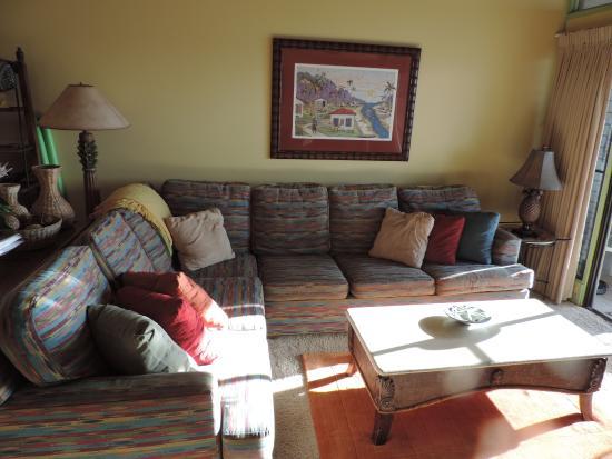 Hale Mahina Beach Resort : the comfy living room