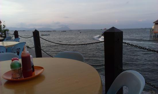 Ocean Treasure Live Seafood Restaurant: ocean view