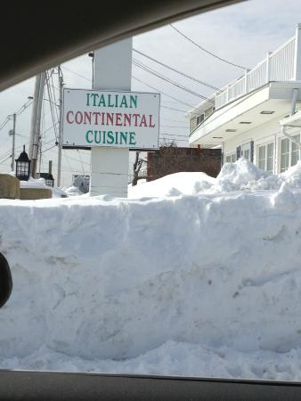 Mimmo's Italian Restaurant : Feb 2015  Never before has there been so much snow!