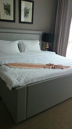 Rongratana Executive Residence: Comfortable bed