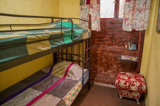 Grammy Hostel: 8 Bedded Dormitroy Room