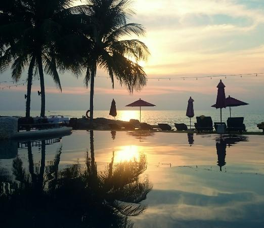 Khuk Khak, Thailand: By the laguna pool at sunset