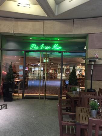 The Green Man, Concourse level entrance