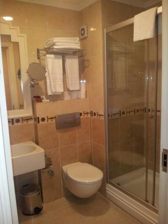 Taksim Metropark Hotel: Bathroom