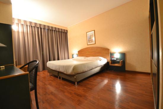 Sun Hotel: Camera matrimoniale