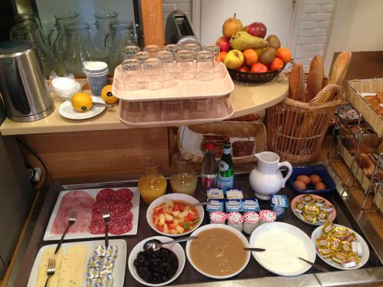 Kyriad Beaune : Breakfast buffet selection: something for everyone
