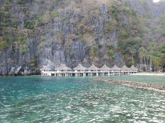 El Nido Resorts Miniloc Island: 水上コテージ