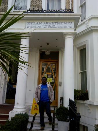 Dylan Apartments Earls Court: Apartments Entrance