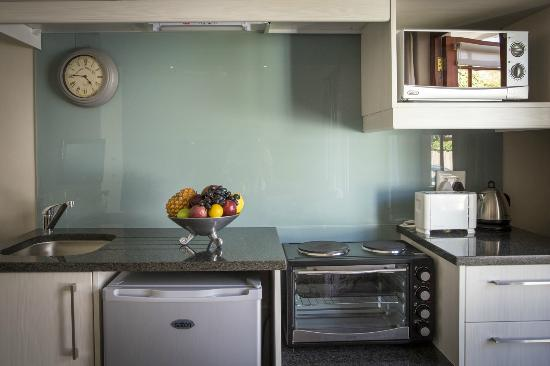 Dongola Guest House: Room 6 kitchenette