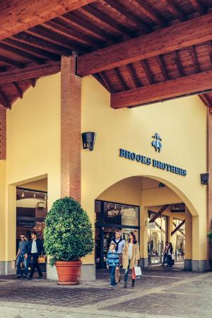 Franciacorta Outlet Village (Rodengo Saiano, Italy): Top Tips ...