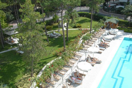 Hotel Greif Lignano: Piscina e parco, fantastico!
