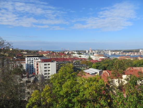 Masthuggskyrkan: 教会の建つ丘からの眺め