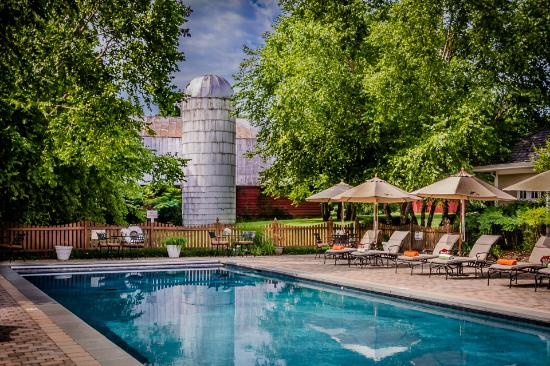 Poplar Springs Inn & Spa: Out door pool and spa