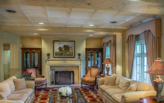 Poplar Springs Inn & Spa: The lobby