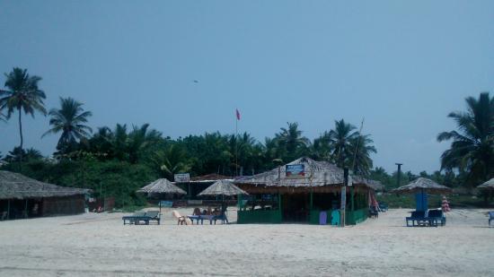 Karma Royal Benaulim: Blue waves beach shack
