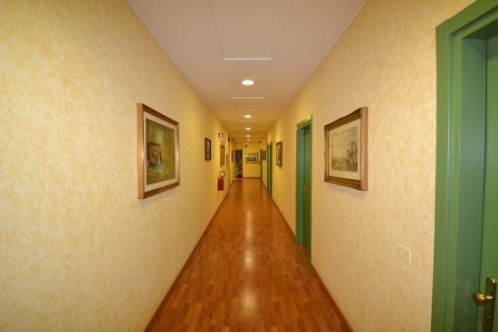 Sun Hotel: Corridoio