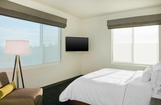 Element Hanover Lebanon Executive Suite Bedroom