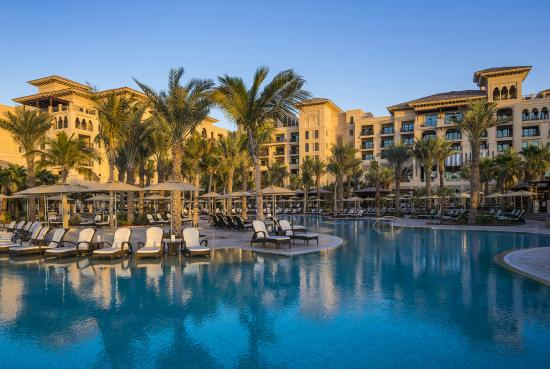 Four seasons resort dubai at jumeirah beach united arab for Top resorts in dubai