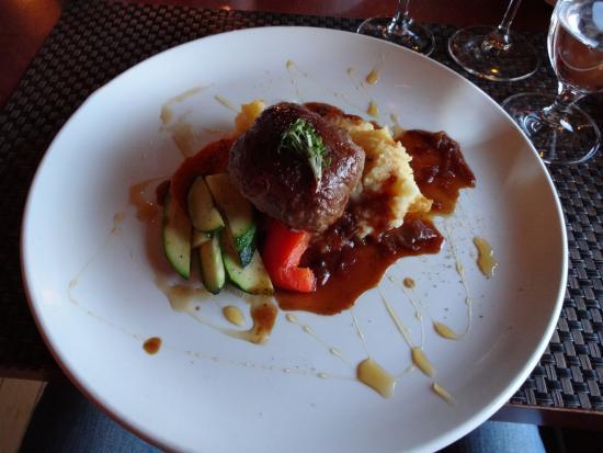 Restaurant La Petite Cachee: Stuffed veal