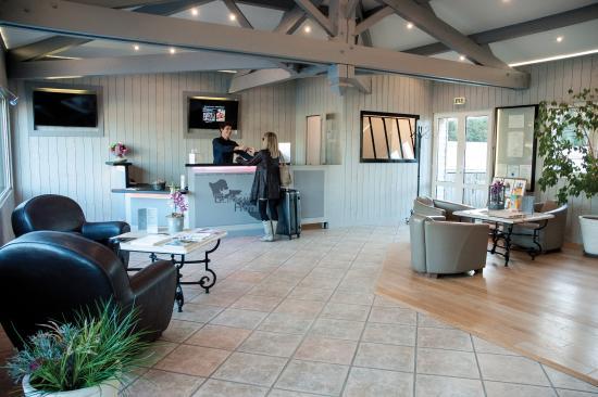 Hotel Restaurant & SPA Plaisir : Réception