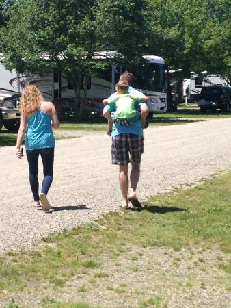 Seaport RV Resort and Campground: Beautiful grounds!
